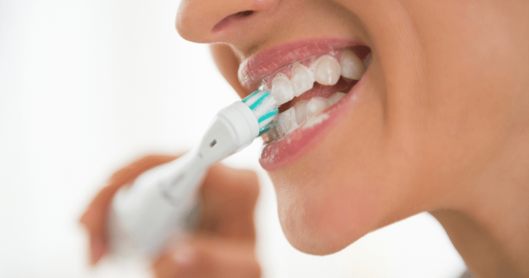 how to use an electronic toothbrush