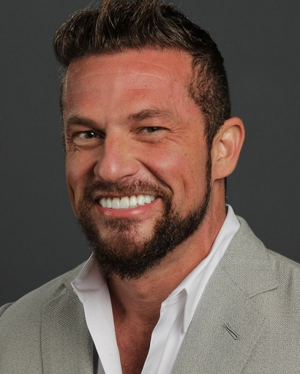 Headshot of Dr. Shawn Keller - A Kirkland dentist